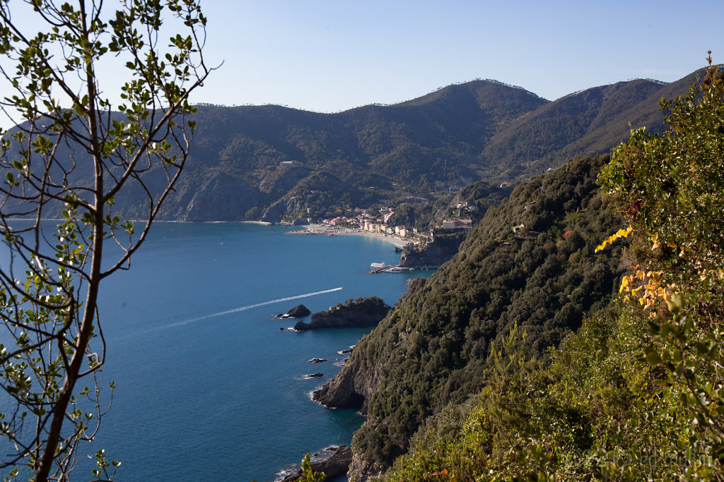 Monterossa coast